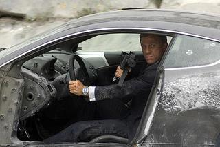007慰めの報酬2.jpg